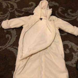 Baby gap snow suit 6-12 month